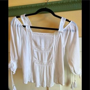 American Eagle XS white top lace inlay tank straps